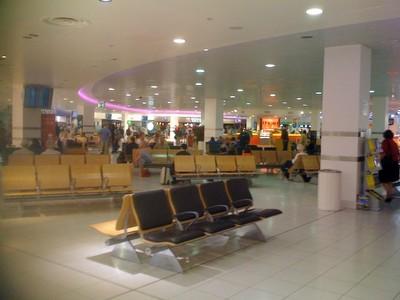 090718イギリス出張(Birmingham空港出発ロビー).jpg